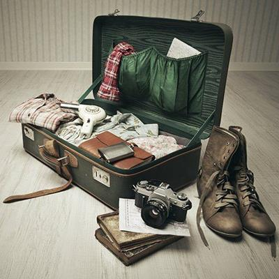 BOOKS, CLOTHES, FLASK, STRAP, MAP, POCKET, BOOTS, CAMERA, SHIRTS, LACES, SUITCASE