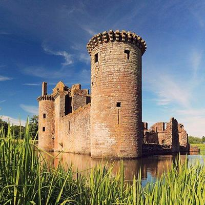 CASTLE, WATER, MOAT, RAMPARTS, HISTORY, STONEWORK, TOWERS, WALLS, RUIN, REEDS, WINDOWS