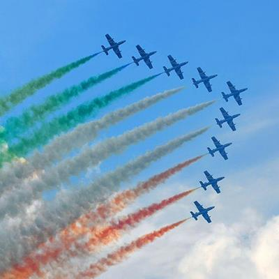 AEROBATICS, SMOKE, GREEN, PILOTS, RED, WINGS, AIRCRAFT, TRAILS, DISPLAY, NINE, JETS