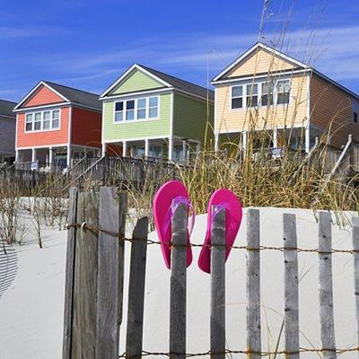 BEACHHOUSES, SAND, STEPS, RED, YELLOW, FENCE, FLIPFLOPS, WINDOWS, GRASS, GREEN, SEASIDE