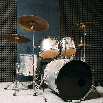 DRUMS, BASS, SKIN, HIHAT, PERCUSSION, TOMTOM, SNARE, STAND, STOOL, CYMBAL, MUSIC, STUDIO