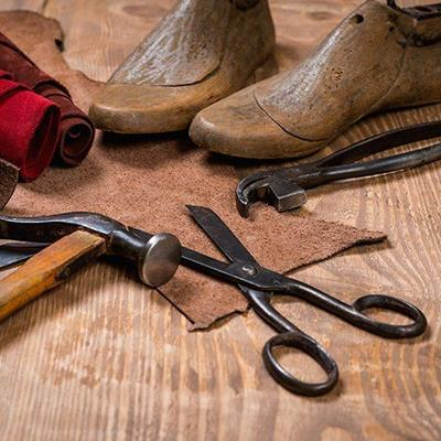 LEATHER, LAST, HIDE, TOOLS, WOOD, PLIERS, COBBLER, SCISSORS, HAMMER, WORKSHOP, CRAFT, HANDLE