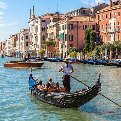 GONDOLIER, VENICE, CANAL, WATERTAXI, BOAT, BUILDINGS, GONDOLA, ITALY, TRADITION