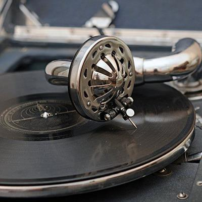RECORDPLAYER, TURNTABLE, VINYL, ALBUM, STYLUS, NEEDLE, MUSIC, GROOVE, TRACK