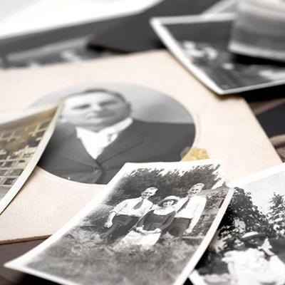 FAMILY, GENEALOGY, PORTRAIT, MEMORIES, WOMEN, OLD, HISTORY, MEN, PAST, PHOTOGRAPH, NOSTALGIA