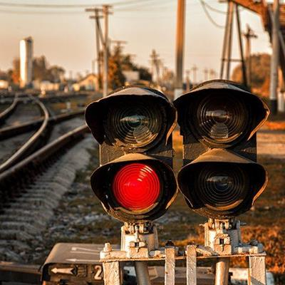 TRACK, WARNING, SLEEPER, WIRES, POLES, REDLIGHT, SIGNAL, TRANSPORT, TRAIN, RAIL