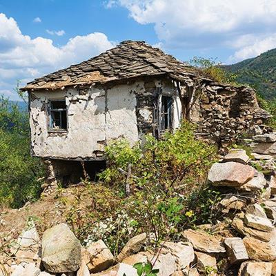 RUIN, ABANDONED, HOUSE, BROKEN, RUSTIC, WRECK, DILAPIDATED, OLD, RURAL, ROOF, EMPTY
