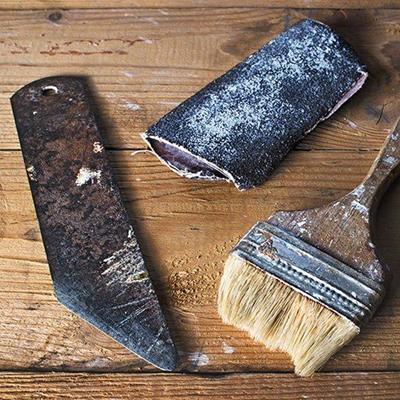 BRISTLES, SANDPAPER, TOOL, DECORATING, RENOVATION, PAINTBRUSH, BLADE, PLANKS