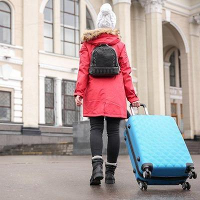 SUITCASE, LUGGAGE, BOOTS, TOURIST, TRAVEL, ARCH, BACKPACK, COAT, HAT, FUR, WINDOWS, STEPS