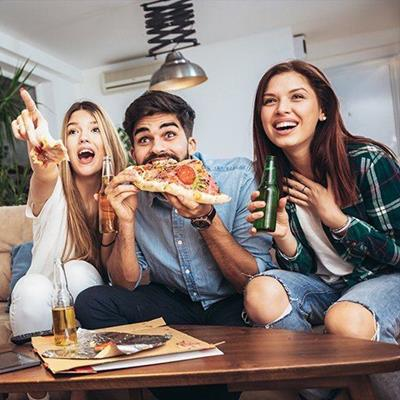 FRIENDS, PIZZA, BEER, TABLE, PHONE, COUCH, BOX, POINTING, LAUGHTER, HAPPY, REMOTE, DENIM