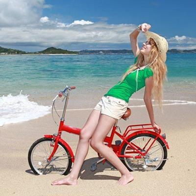 BEACH, HORIZON, BAREFOOT, SADDLE, CLOUDS, WHEELS, BICYCLE, SEA, SHORTS, STRAWHAT, SAND, BLONDE