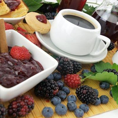 COFFEE, CUP, FRUIT, PASTRIES, BLACKBERRY, LEAF, RASPBERRY, FRUITJUICE, BLUEBERRY, PRESERVE, SAUCER