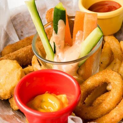 ONIONRINGS, CARROT, CHICKEN, GLASS, KETCHUP, CUCUMBER, DRESSING, POT, FASTFOOD, CRUDITIES