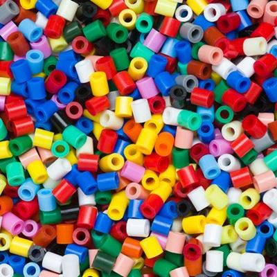PLASTIC, TUBE, YELLOW, BLACK, TURQUOISE, ORANGE, BEADS, BLUE, RED, PINK, WHITE, GREEN, HEAP