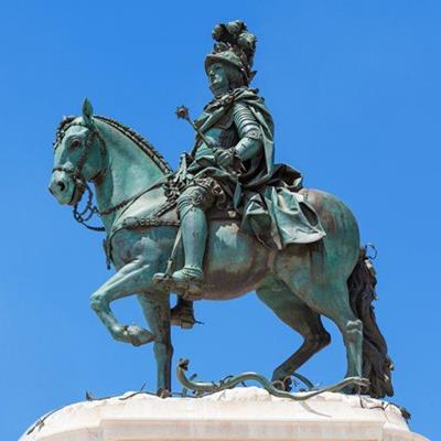 HORSE, FEATHERS, MACE, STIRRUPS, SPURS, HELMET, STATUE, RIDER, SNAKE, COPPER, SCULPTURE