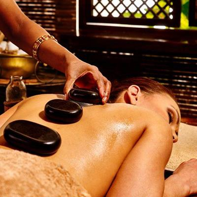 SWEAT, MASSEUSE, RELAXATION, THERAPY, TREATMENT, BACK, MASSAGE, STONES, BRACELET, BOTTLE, TOWEL, SHUTTER
